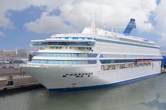 Statek wycieczkowy w morzu blisko Helsinki Obrazy Stock