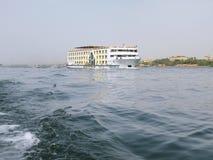 Statek wycieczkowy w Nil rzece Obrazy Stock