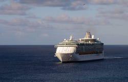 Statek wycieczkowy w otwartym morzu Fotografia Stock