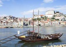 Statek z wino baryłkami na Duero rzece Obrazy Royalty Free