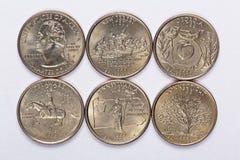 Staten för 1999 USA inkvarterar en färdig uppsättning av 5 använda mynt Lokaliseras i beställningen av deras utsläppt och att sam Arkivbilder