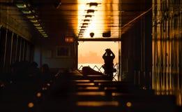 Staten Island Ferry bij zonsondergang stock afbeelding