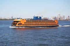 Staten Island Ferry i den New York hamnen Royaltyfri Foto