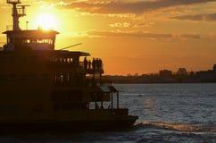 Staten Island prom w słońce Obrazy Royalty Free