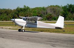 Stationäres Cessna Flugzeug lizenzfreie stockfotos