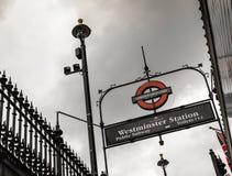 Station célèbre de Westminster au fond photo stock