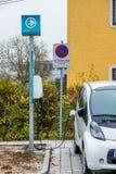 Station de charge de voiture électrique à Photographie stock libre de droits