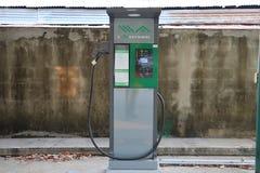 station de charge de véhicule électrique pour les véhicules qui emploient le courant électrique à la province de Nakhon Sawan de  image stock