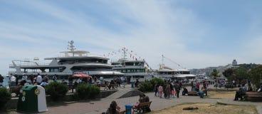 Station de ferry de Karakoy chez le Bosphorus à Istanbul, Turquie photos libres de droits