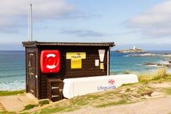 Station de maître nageur de RNLI chez Godrevy, les Cornouailles, Angleterre photo stock