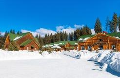 Station de sports d'hiver d'hiver de Bukovel en Europe de l'Est, Ukraine, carpathienne photos libres de droits