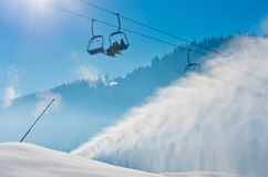 Station de sports d'hiver dans Bukovel, Ukraine Photo stock
