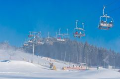 Station de sports d'hiver dans Bukovel, Ukraine Photos stock