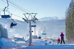 Station de sports d'hiver dans Bukovel, Ukraine Image stock