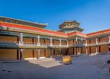Station de sports d'hiver de Chengde dans Putuo, province de Hebei par le temple du bâtiment principal de la Chambre rouge Photographie stock libre de droits