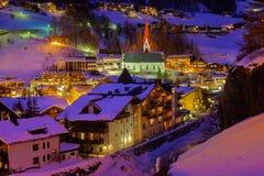 Station de sports d'hiver de montagnes Solden Autriche - coucher du soleil Photo libre de droits