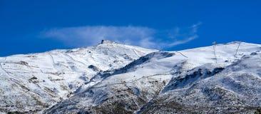 Station de sports d'hiver de montagne de Sierra Nevada Grenade photographie stock
