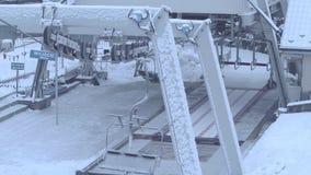 Station de télésiège de ski de montagne clips vidéos