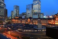 Station de Tokyo au crépuscule Image stock