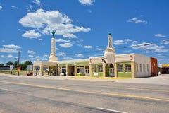 Station de tour de station de Conoco d'auberge d'U-baisse d'art déco sur Route 66 photographie stock libre de droits