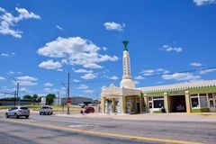 Station de tour de station de Conoco d'auberge d'U-baisse d'art déco sur Route 66 image libre de droits