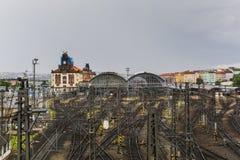Station de train centrale de Praha et lignes ferroviaires Image libre de droits