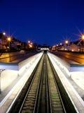 Station de train de Bexhill la nuit Image libre de droits