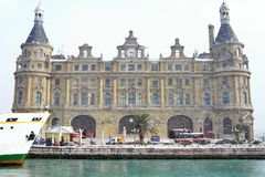 Station de train de Haydarpasa en hiver Photos libres de droits