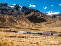Station de train en Abra la Raya à la haute altitude Photographie stock libre de droits