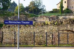 Station de train Roman Theater Mainz Photographie stock