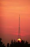Station de transmission au lever de soleil Image libre de droits
