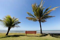 Station de vacances d'Eco d'Ajuda d'Arraial au Bahia - horizon au-dessus de l'eau photos libres de droits