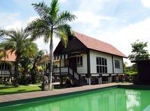 Station de vacances d'hôtel de boutique avec la piscine Photo libre de droits