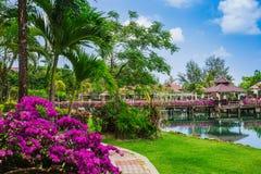 Station de vacances de Klong Prao Cottages sur la baie dans un jardin tropical Photos libres de droits