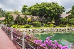 Station de vacances de Klong Prao Cottages sur la baie dans un jardin tropical Images libres de droits