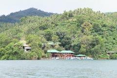 Station de vacances de plongée de Bastianos Lembeh - centre de plongée Images libres de droits