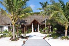 Station de vacances impressionnante en Maldives images stock