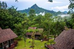 Station de vacances près de geyser de Pong Duet Photos libres de droits