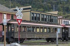 Station du train blanc historique de passage de la fièvre de l'or dans Skagway Alaska photographie stock libre de droits