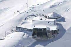 station för alpskabelbil Royaltyfri Foto