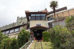 Station för avvikelse för kabelbil av äldst fungerande bergbanajärnväg, Montecatini, Tuscany, Italien royaltyfri bild