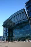 station för berlin hauptbahnhofjärnväg Fotografering för Bildbyråer