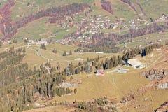 Station för kabelbil i Churfirsten berg royaltyfri fotografi