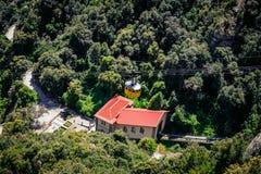 Station för kabelbil på den Santa Maria de Montserrat abbotskloster i Spanien Arkivfoton