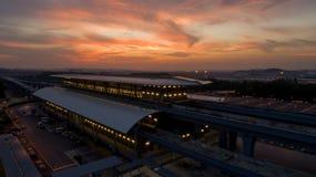 Station för MRT-MASSforstransport i Kwasa Damansara arkivfoton