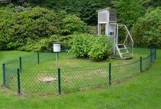 Station météorologique en parc photographie stock libre de droits