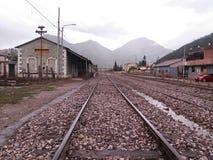 Station op bewolkte dag stock foto's
