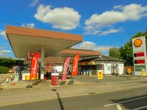 Station-service de Shell, route de Rickmansworth, Chorleywood images libres de droits