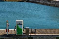 Station service pour des bateaux à Lisbonne image stock