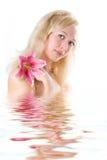 Station thermale de blonde de beauté Photos stock